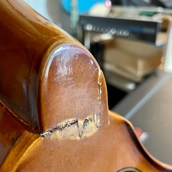 Crack in the heal of a double bass neck joint